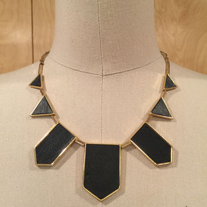House of harlow station necklace black gold